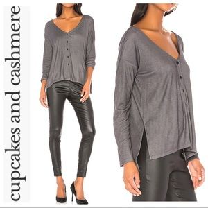 NEW REVOLVE - Cupcakes & Cashmere Lindy Oversized